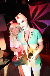 Nurse & Bandaged Dolly Patient Courtesy of clubhurt.net